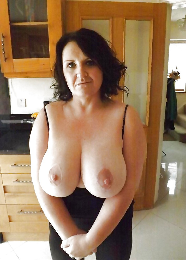 sexy-naked-moms-with-large-boobs-porn-v-hardcore-fucking