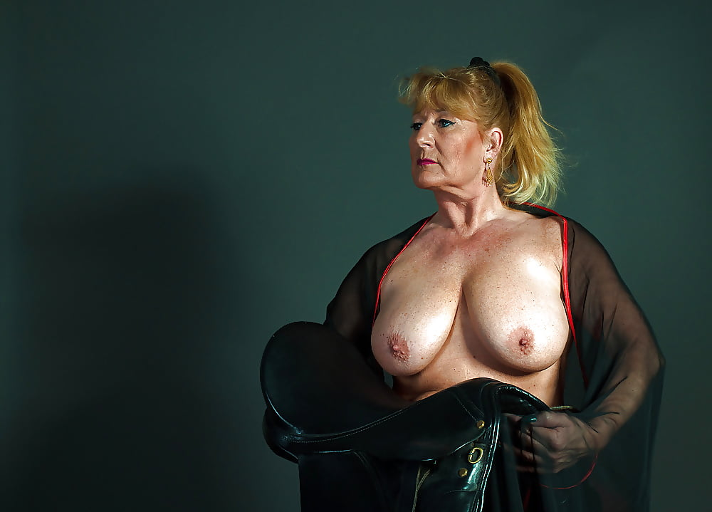 Sexy mature women galleries — pic 9