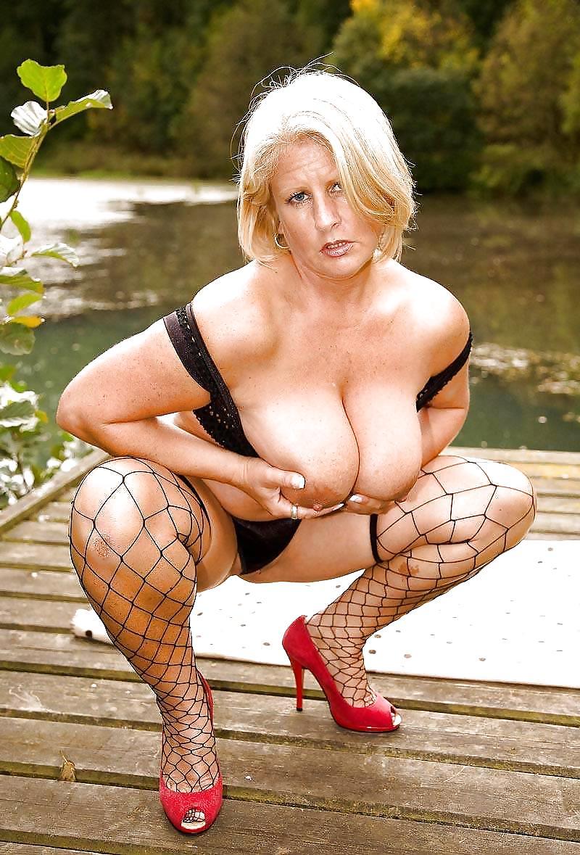 Pamela anderson sexy mature