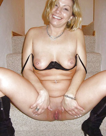 shaved galleries milf Mature pussy