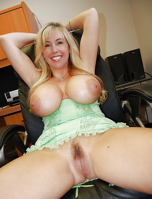 HOTTEST WIFE ON THE NET 26 - 40 Pics