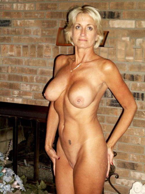 Milf Porno - Blonde Cougar mit dicken Titten