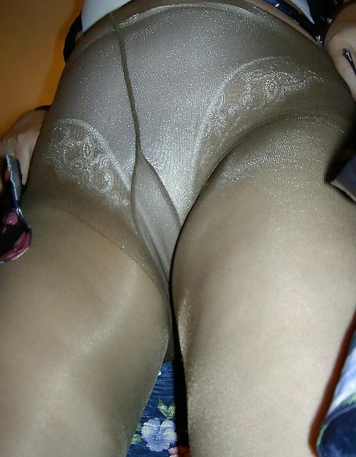 mature-pantyhose-camel-toes