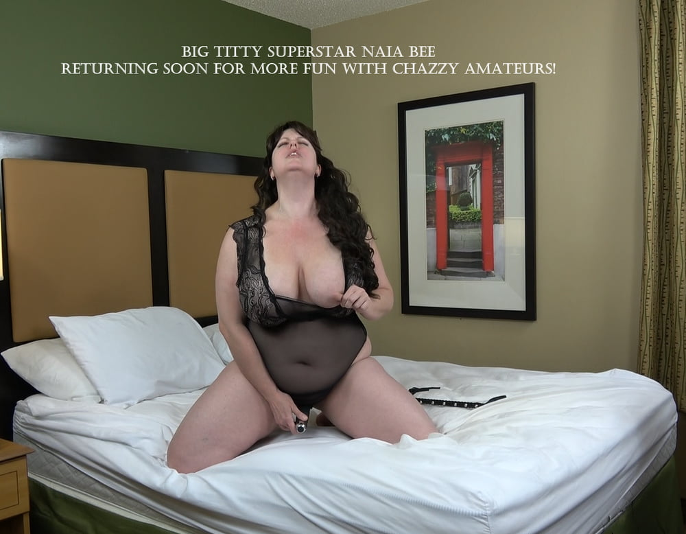 Naia Bee 's Adult Film Debut - 15 Pics