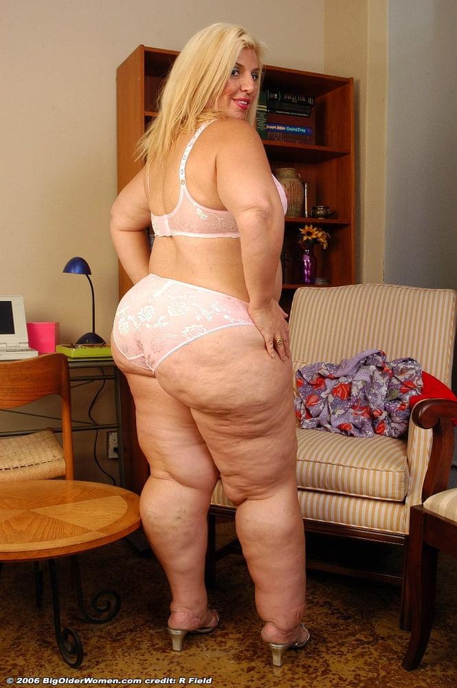 толстые девки в стрингах фото эротика - 8