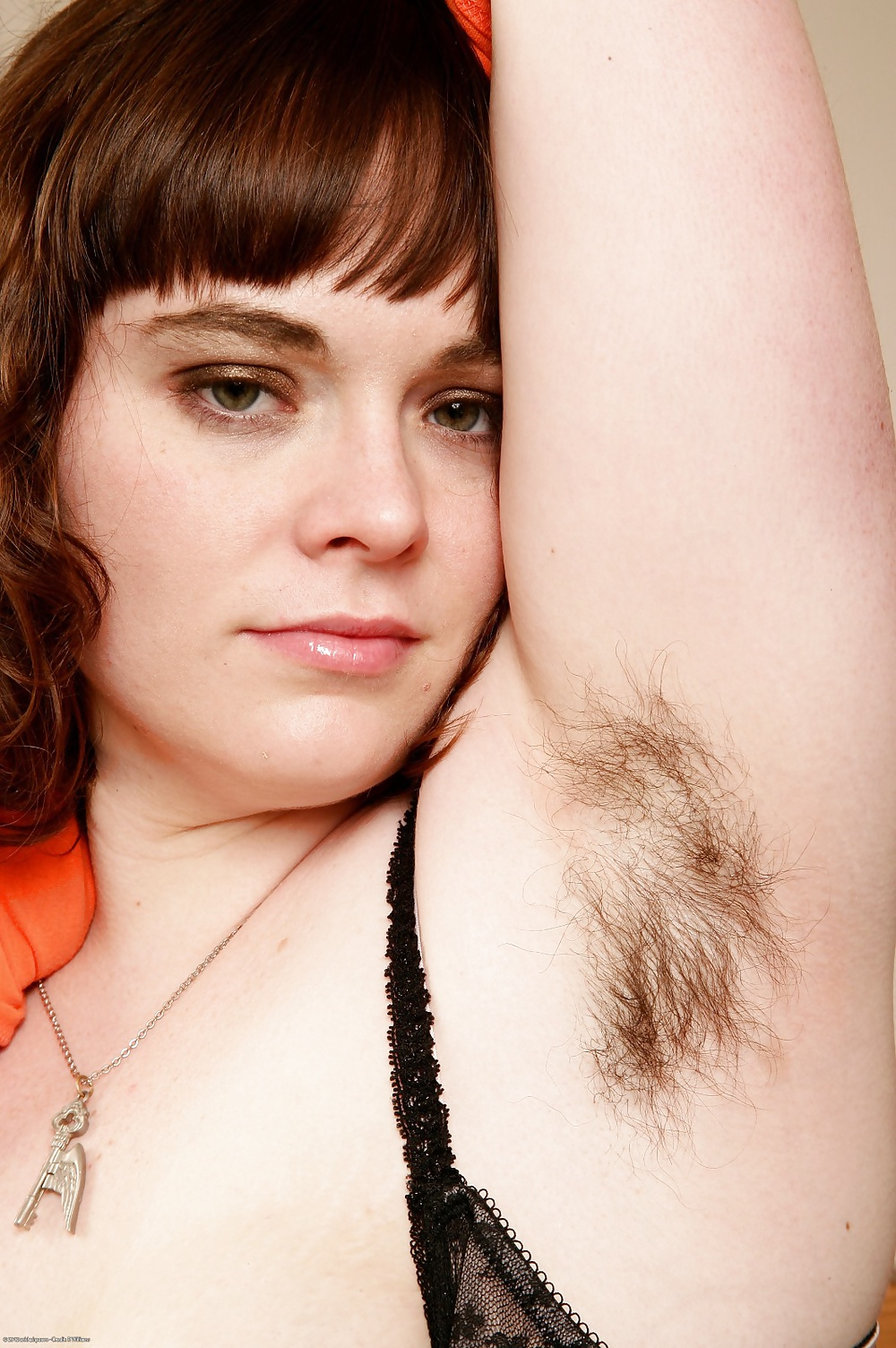 сразу обильно видео волосатых вагин крупным планом такой, какого никогда