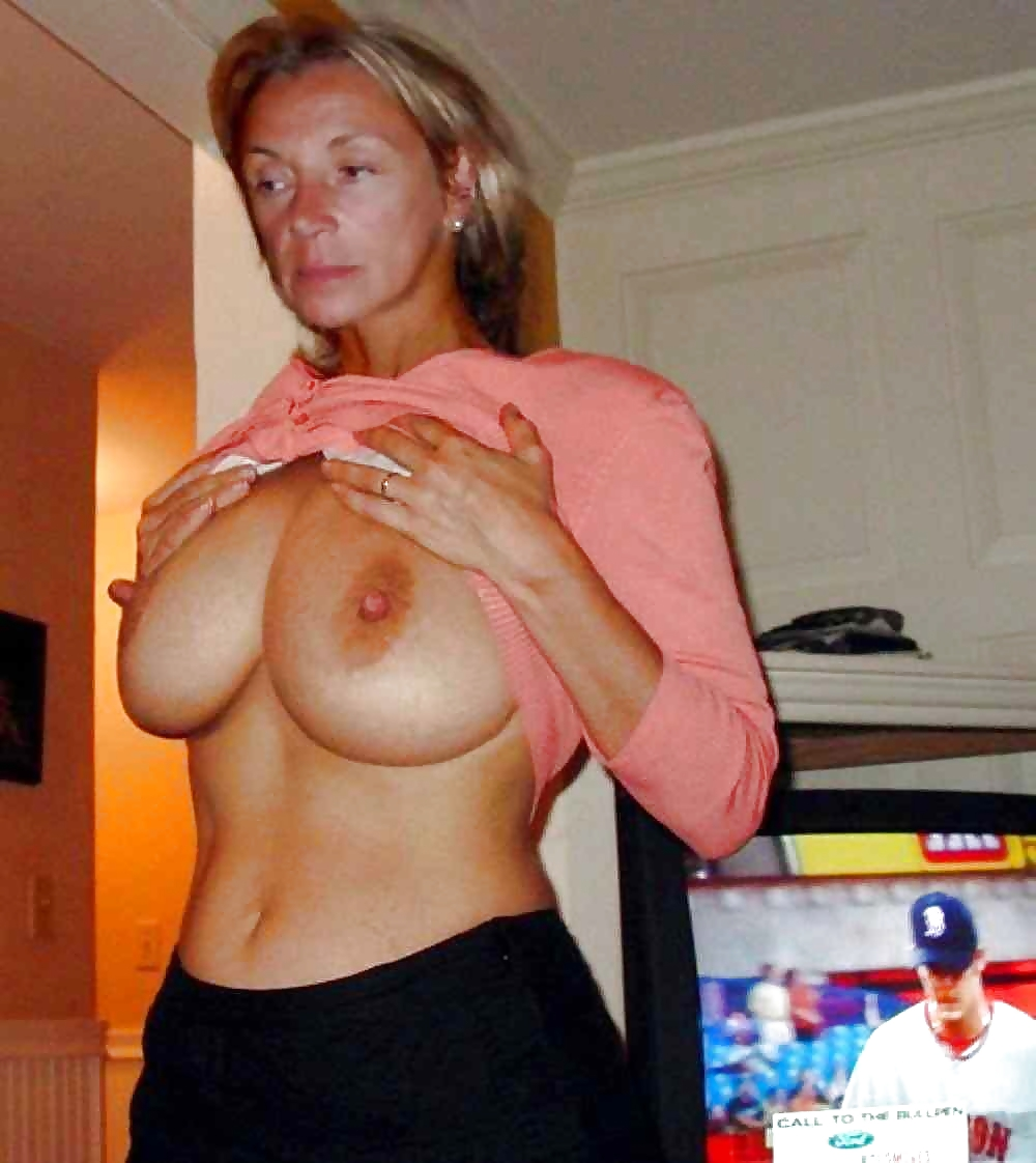 Real busty nude moms, fit nude girls porn