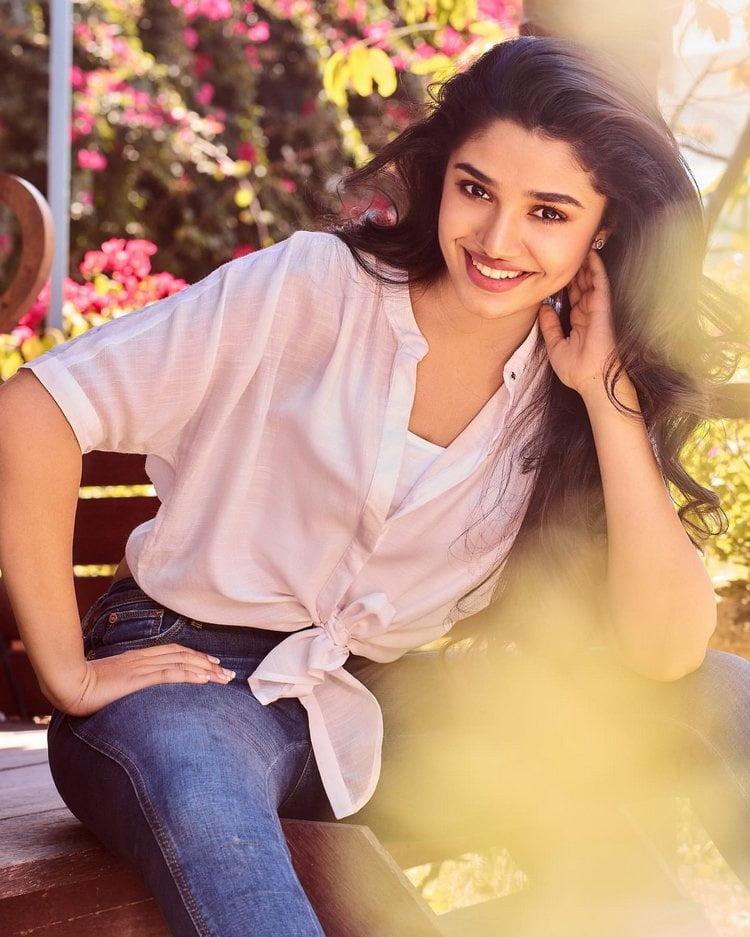 Uppena movie actress Krithi Shetty - 11 Pics
