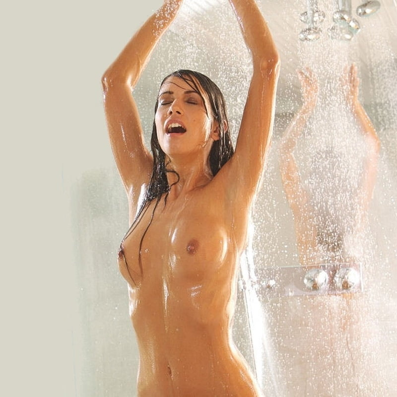 Sexy ladies in the shower, night dream babe pussy