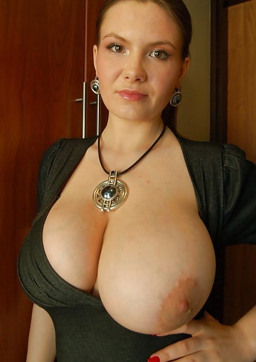 Amateur gf with big natural tits