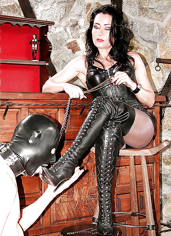Bdsm Dominatrix Slut Jewell Marceau In Wild Latex Fetish Daftsex 1