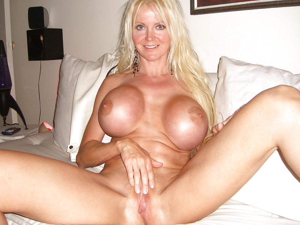Amateur german milf with big tits fucked super hard outdoors