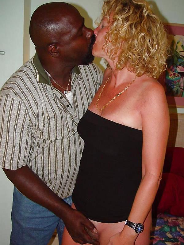 Wife kissing pics