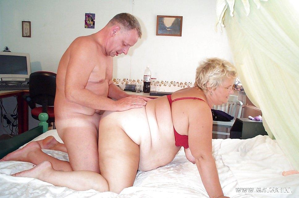 Fat blonde granny fucking grandson's best friend