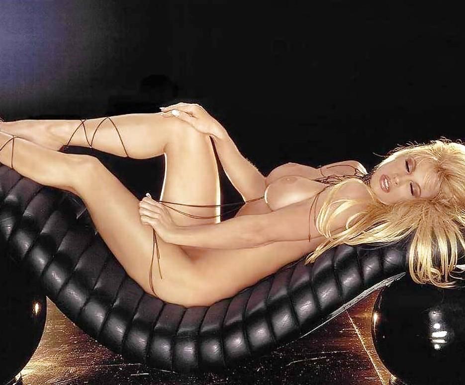 sexy-nude-rena-mero-sexy-erotic-pics-of-sonam-kapoor