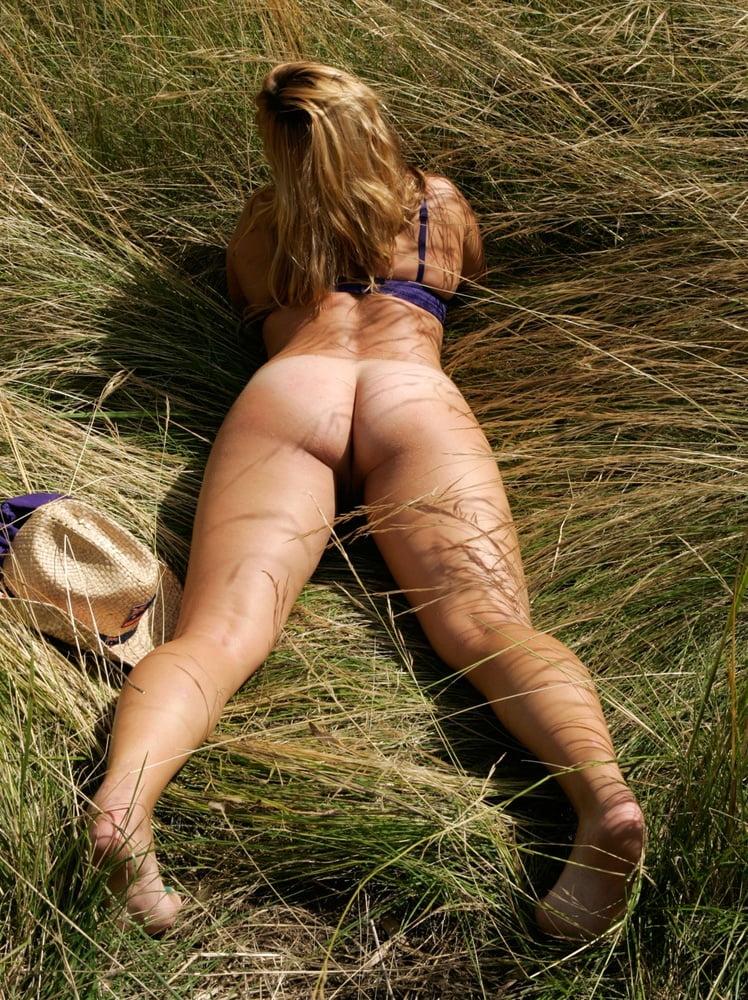 Naked Amateur Farm Sluts