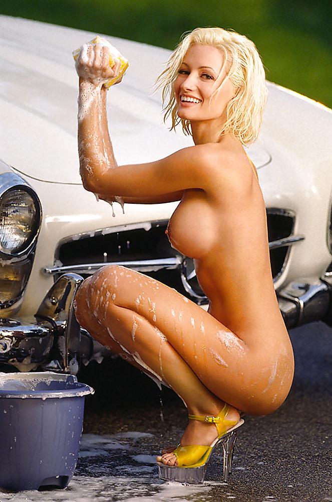 Fully naked holly madison