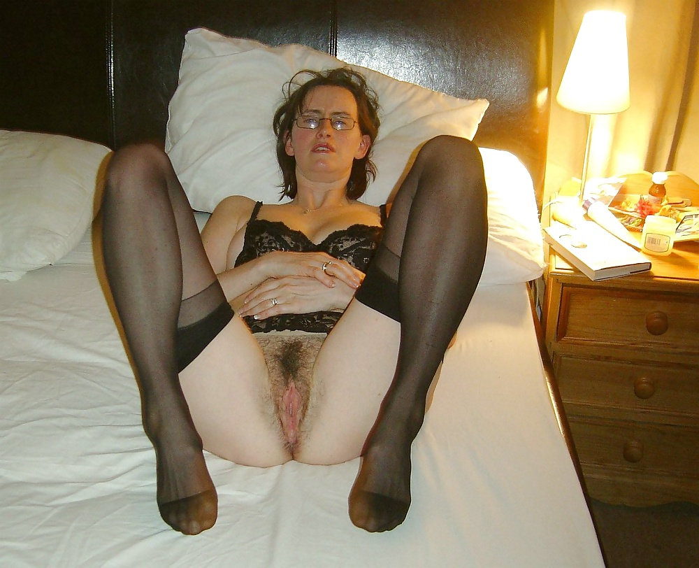 Hairy slut on high heels smashing solo masturbation