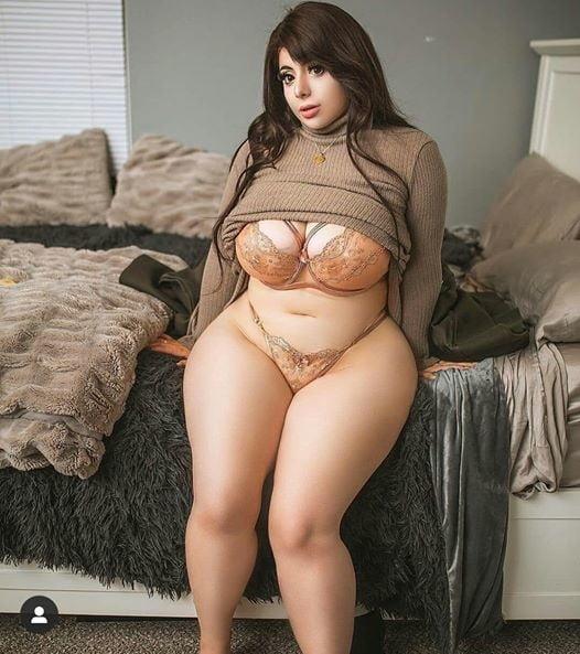 Curvy ladies - 20 Pics