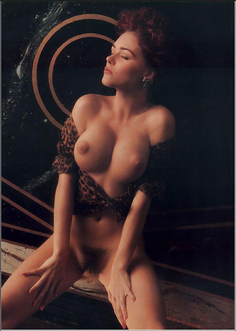 laura-san-giacomo-nude