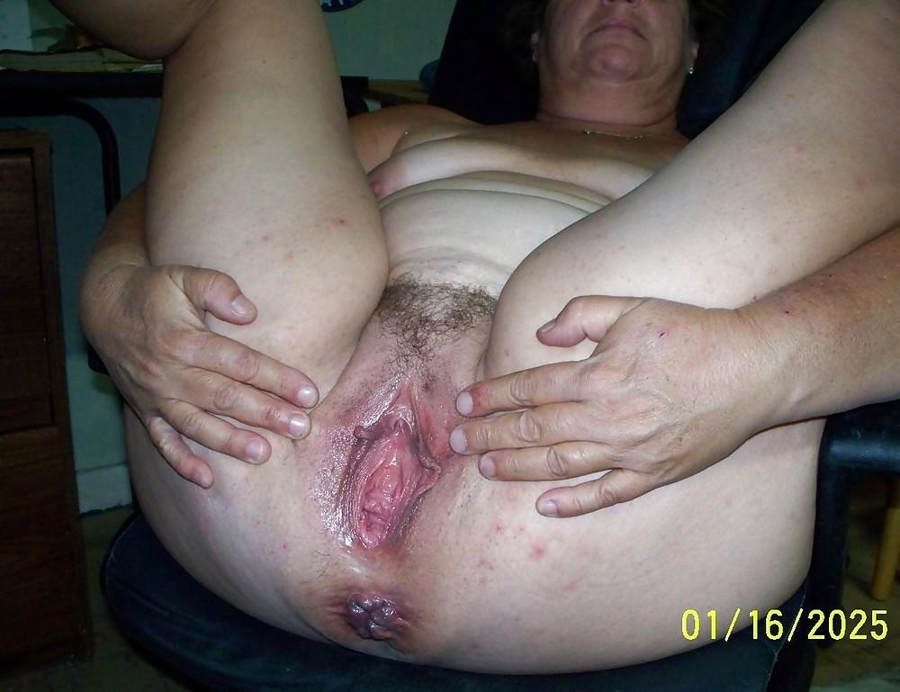 Huge gaping fat vagina hole