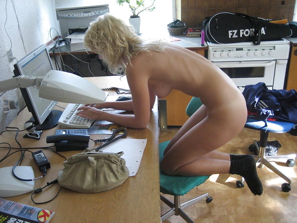 Онлайн голые бабы за компом