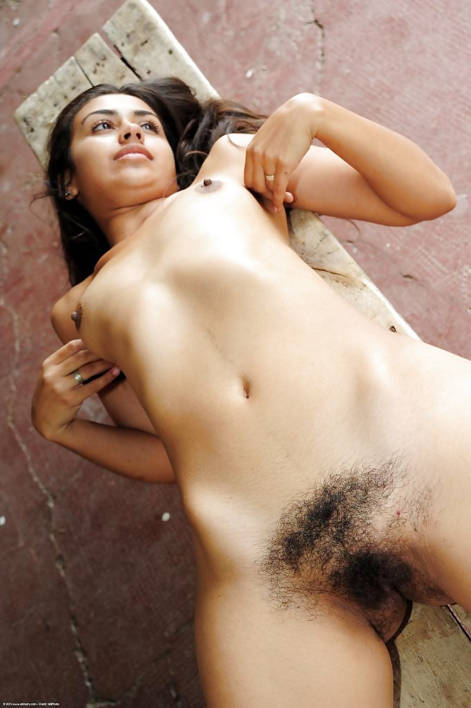 Indian school girl nude with hairy pussy, flash your pussy seethru