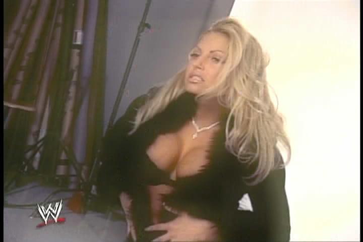Trish stratus has nice boobs