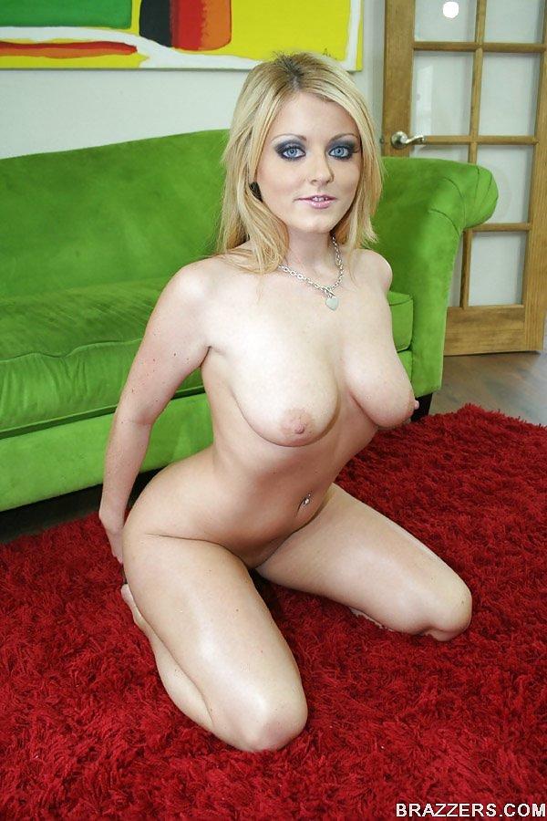 Sophie Dee 8