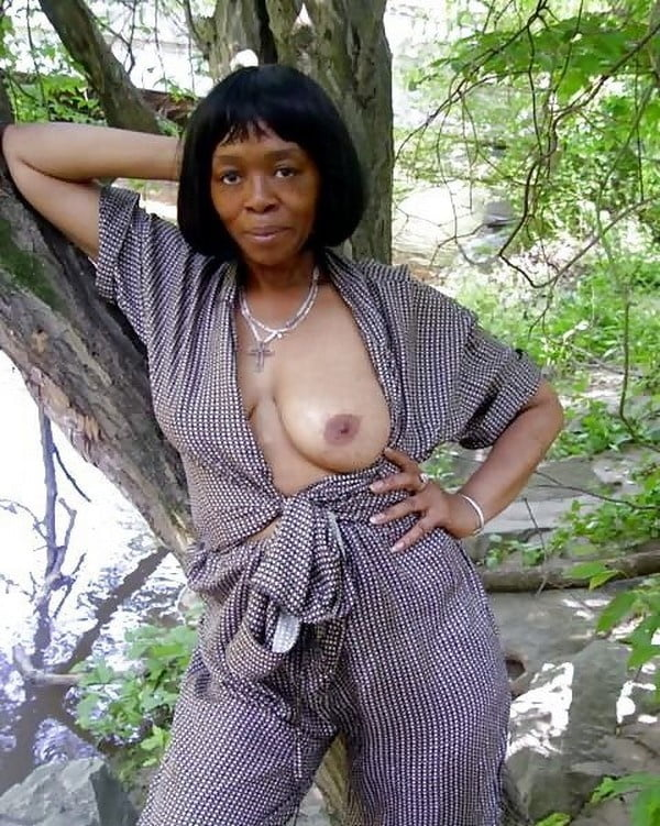 sexy-naked-black-grannys-dating-with-glassesgirls