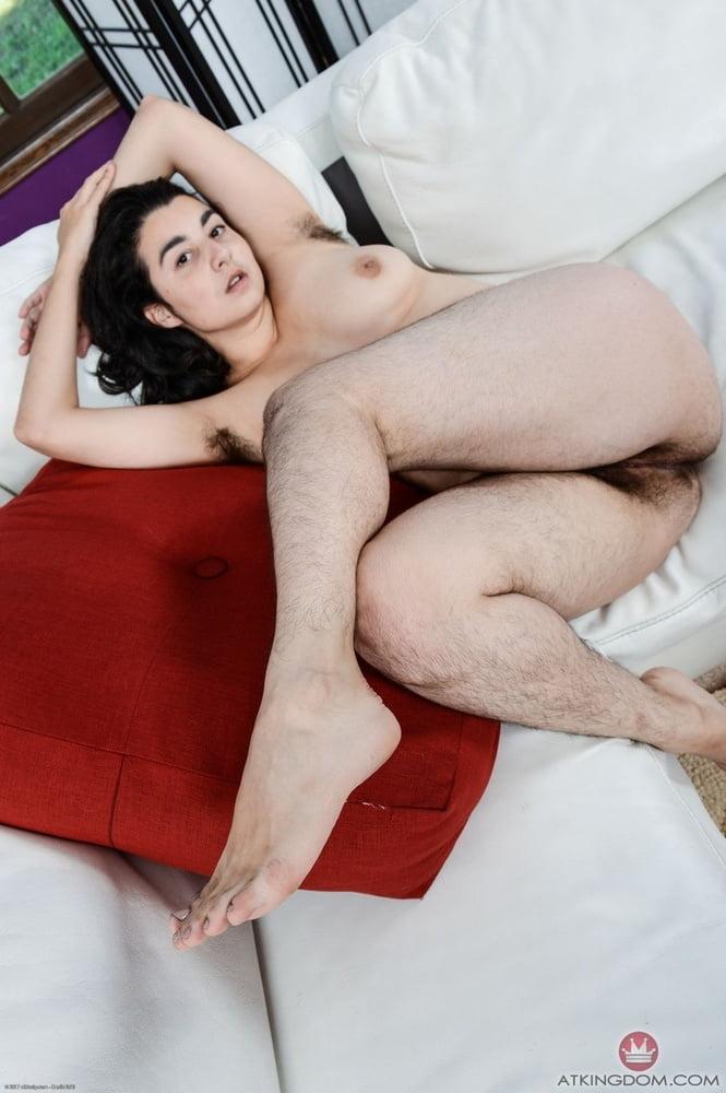 Hairy womans world - 136 Pics