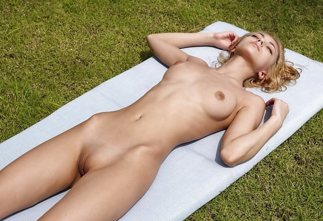Teen nude sunbathing-1761