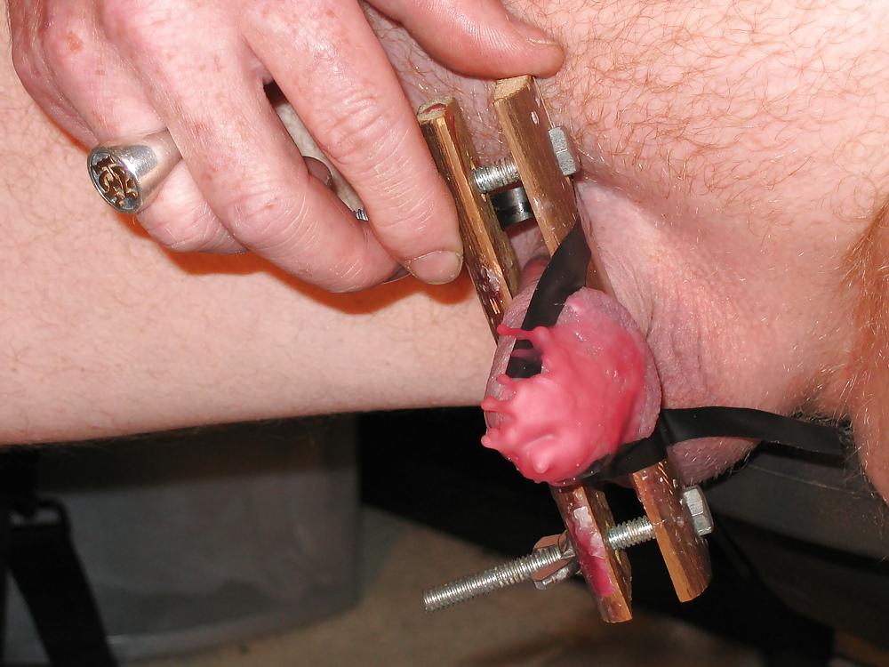 Сайт извращения над мужскими гениталиями видео — 6