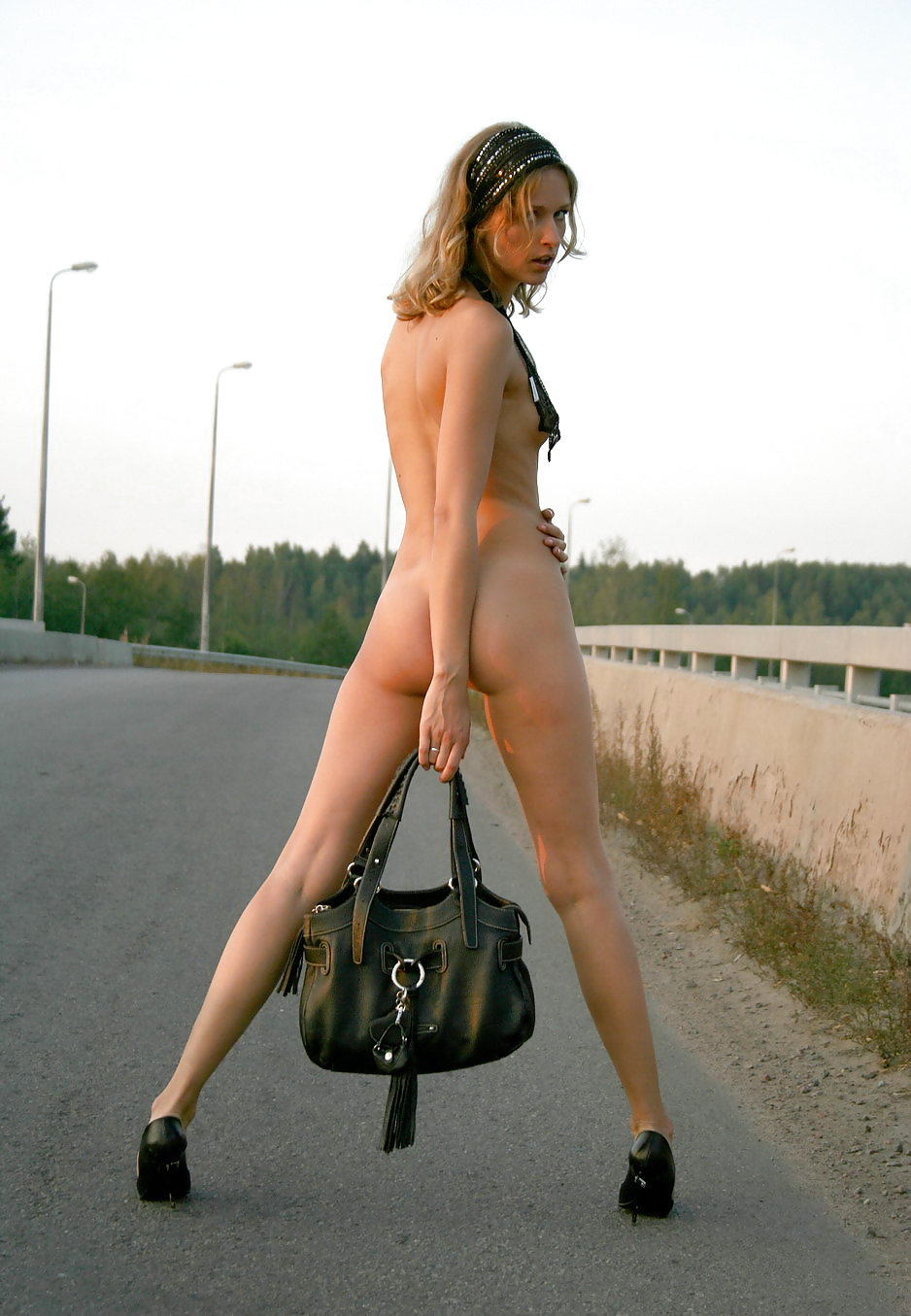 Nasty Teen Hitchhiker Flashing Pussy In Strangers Car