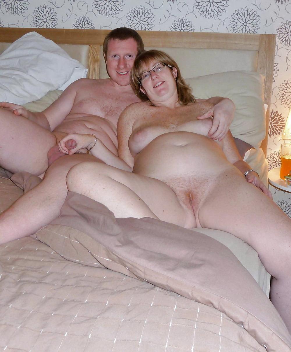 Зрелые муж и жена снимает свое порно