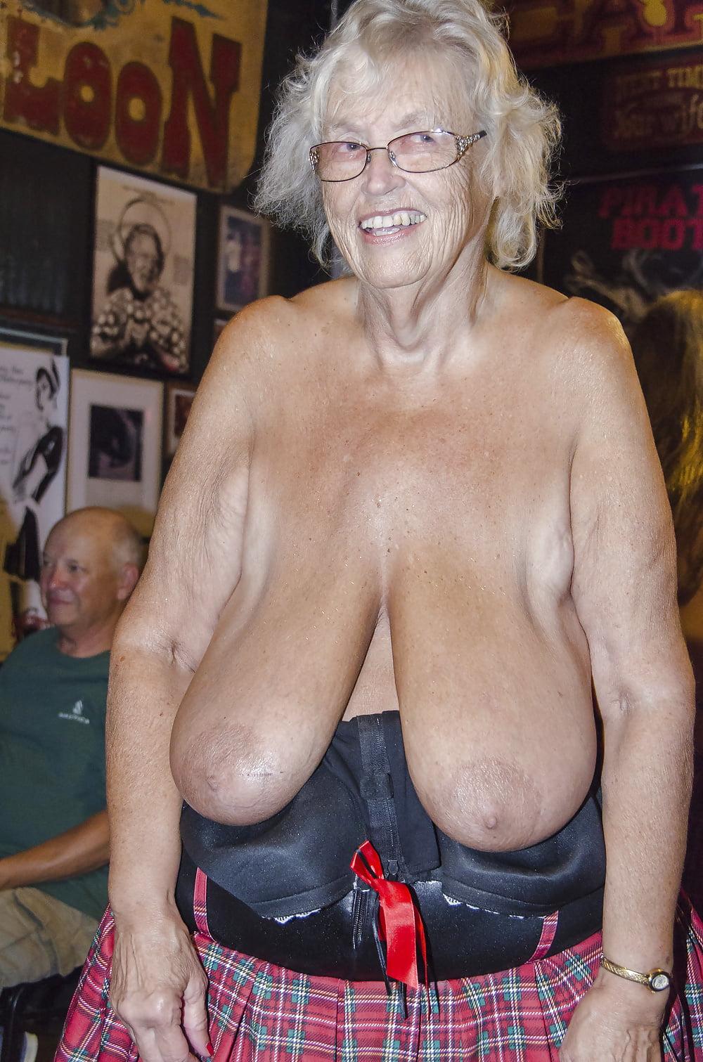 Mature Black Granny Ass