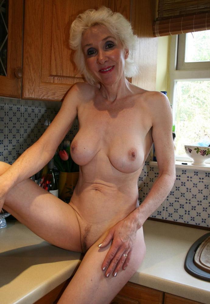 Tante Nackt