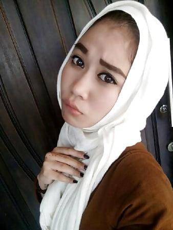 indo abg jilbab seksi