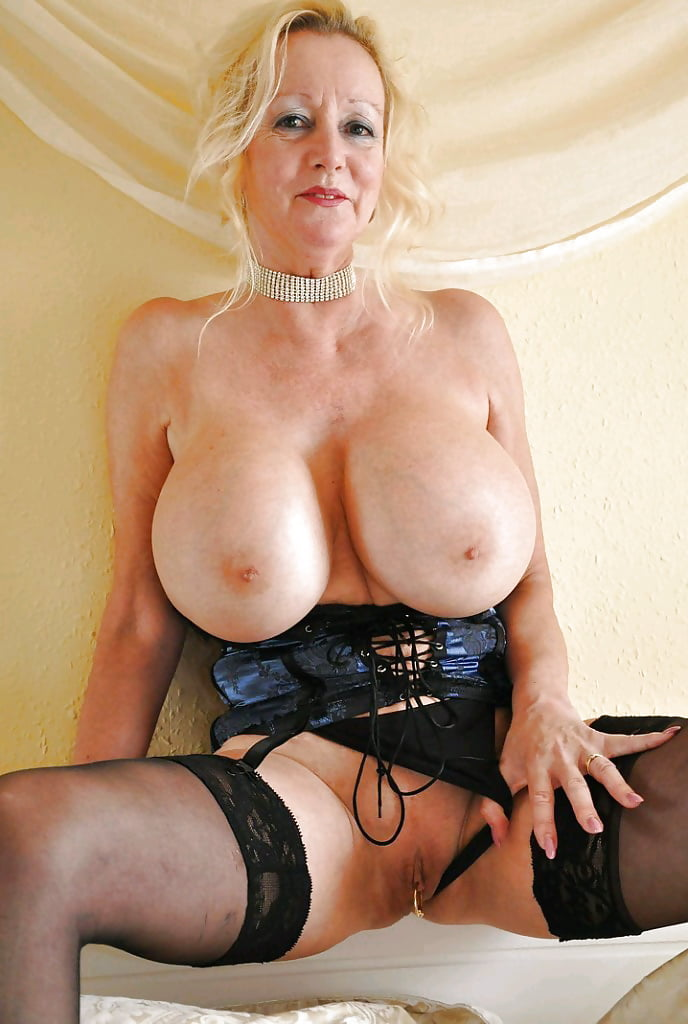 big-mature-tits-and-stockings