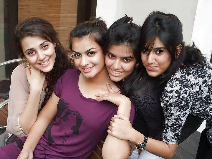 russian-scammers-lesbian-girls-of-karachi-photos-cocks-one