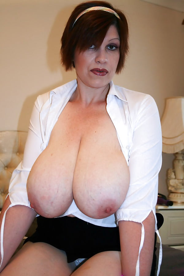 Naked mom massive tits gallery girl playing with