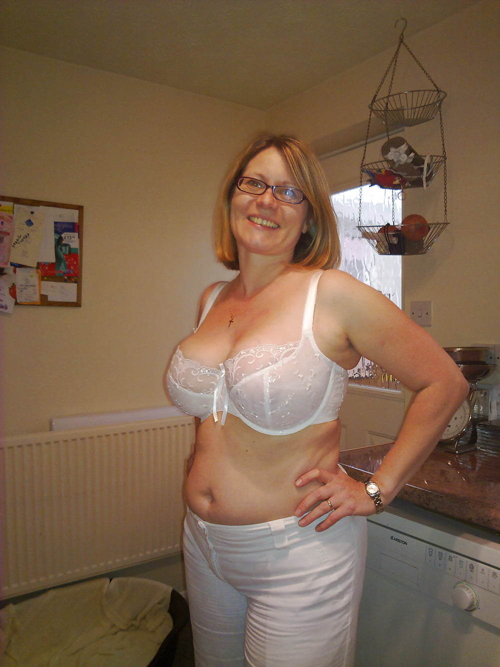 Granny mature bra and panties