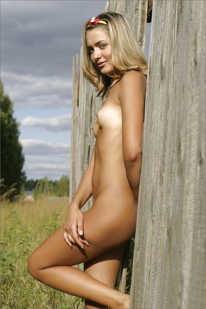 Skinny Country Girl Naked