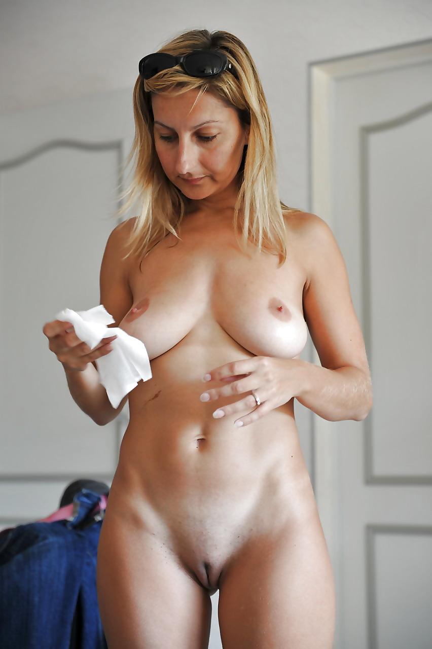 Bus juanitas lady naked tan brunette bent over
