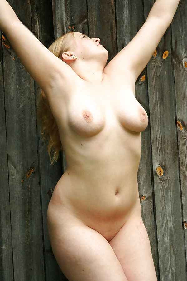 Beautiful Naked Blonde Scared Face Gif By Gifed Photo
