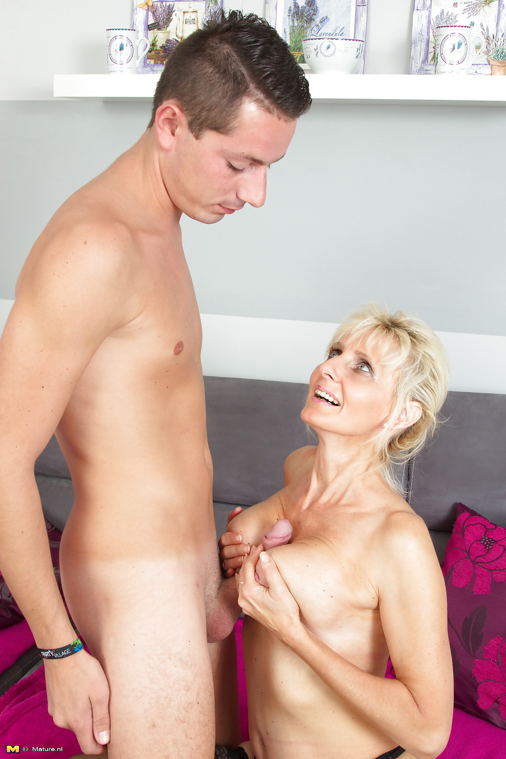 Young twats hot moms want young cock booty