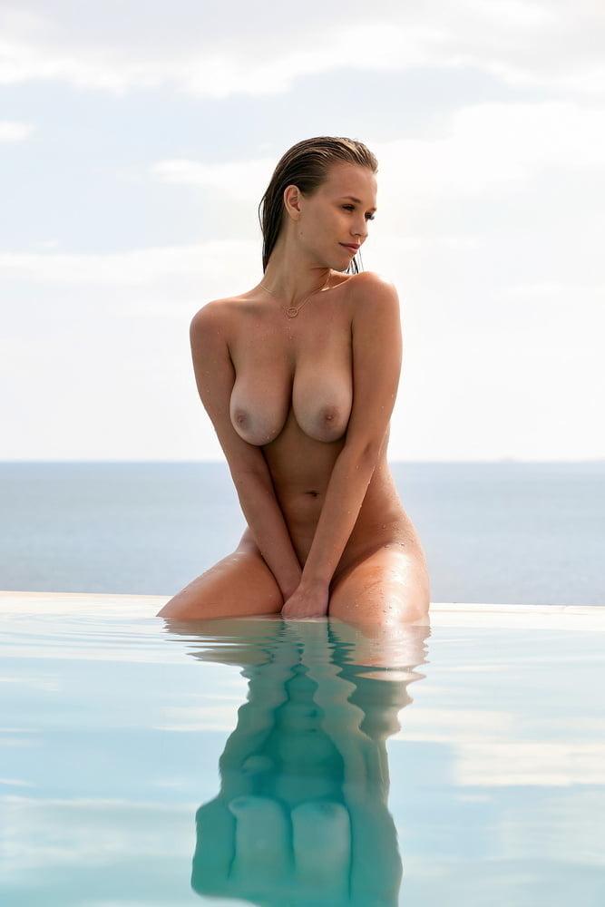 Laura Mueller Playboy 02 2020 37 Pics Xhamster