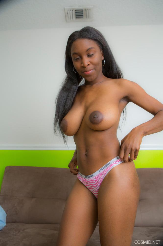 light-skinned-black-girls-nude