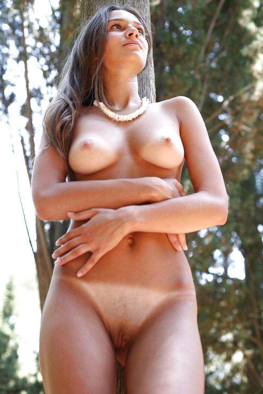 Голые женщины со следами от купальника — photo 6