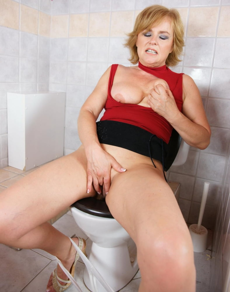 Free mature toilet porn videos attack